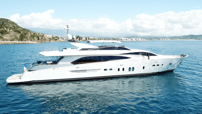 NEW JOINT CENTRAL AGENCY LISTING M/Y LADY EMMA Couach 3300